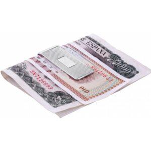 Egy különleges ajánlat a tökéletes ezüst ajándékok közül.Ez az ezüst pénzcsipesz az összes bankjegyét és pénzét biztonságban tartja. Minőségi fémjelzéssel ellátott ezüstből készült, kézzel készített és csiszolt termék. Ez az AriD Normann termék egyszerre elegáns és hasznos társ a mindennapok során.