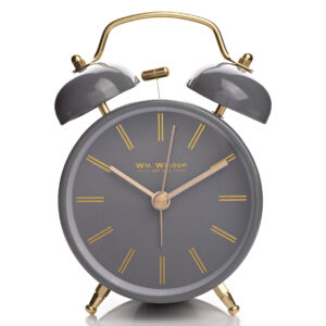 Dupla csengős analóg ébresztőóra sötét szürke színben, arany kiegészítőkkel.