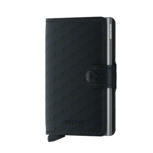 Secrid Miniwallet Optical Black Titanium fekete színben, lágy tapintású, sima felületű marhabőrből.